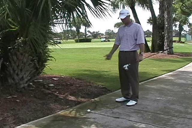Golf e regole Drop strada cart